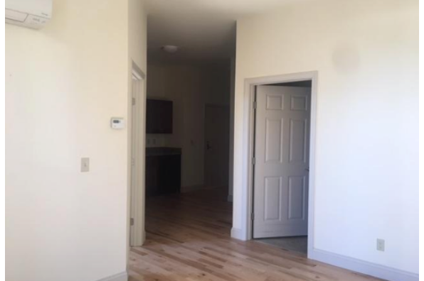 191 College Street, 1 Bedroom (Photo 2)