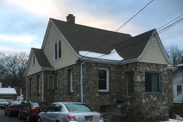 137 Violet Avenue, 1 (Photo 1)