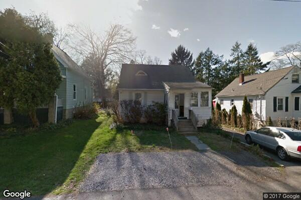 44 Woodlawn Avenue, 3 (Photo 1)