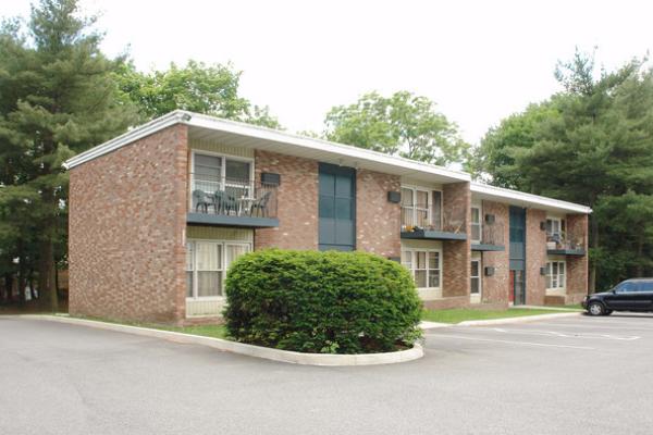 Vassar Garden Apartments, 3 Bedroom - Arlington, NY   perch\'n