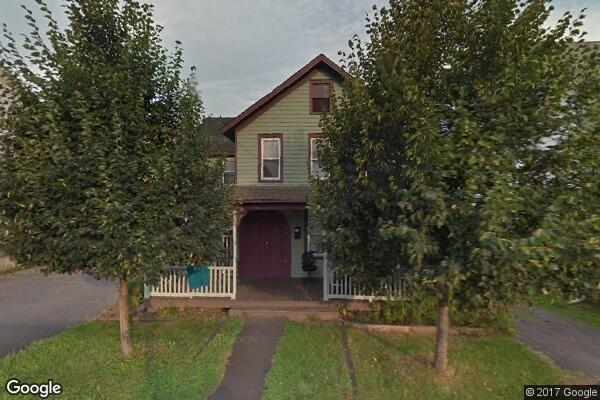 33 North Chestnut Street, Side (Photo 1)