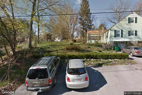 48 Woodlawn Avenue (Photo 1)