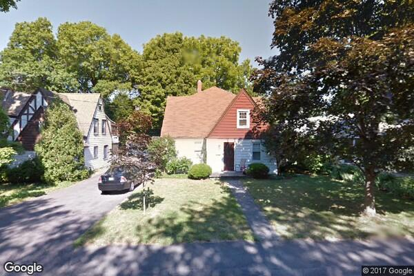 27 North Manheim Boulevard, B (Photo 1)
