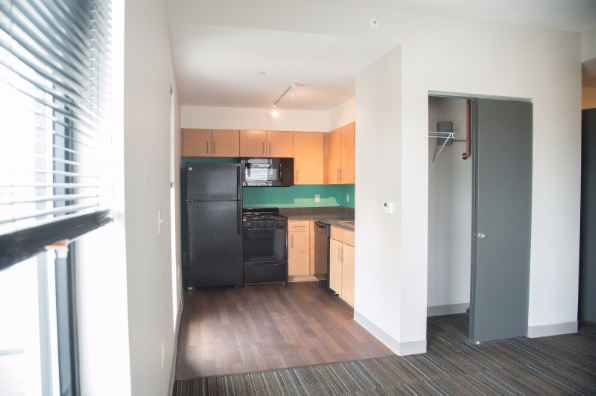 3939 chestnut, 1 Bedroom 1 (Photo 1)
