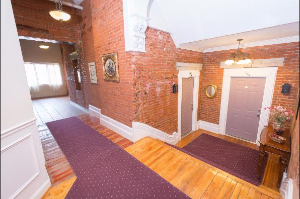 Chapel Hill, 2 Bedroom (Photo 1)