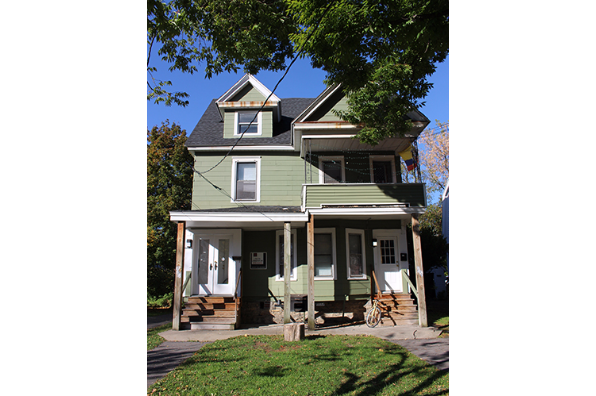 712 Livingston Avenue (Photo 1)