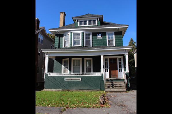 832 Sumner Avenue (Photo 1)