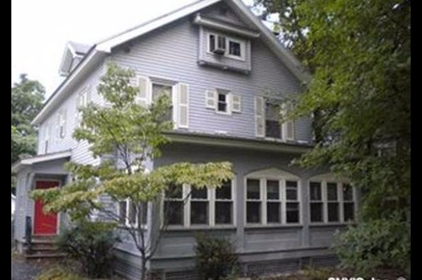 907 Comstock Avenue (Photo 1)