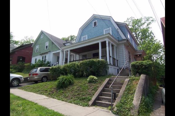 946 Ackerman Avenue (Photo 1)