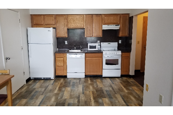 107 E State St, 3 Bedroom, 1.5 Bathroom Apartment (Photo 1)