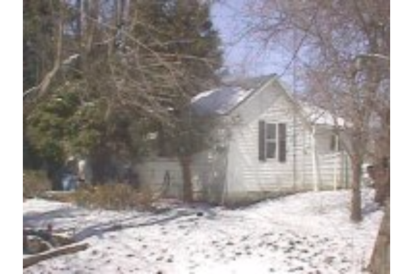 826-828 Dryden Road, Cottage 3 (Photo 1)