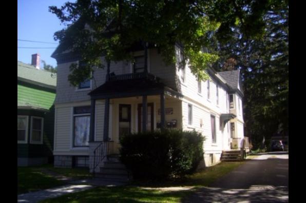 30 Maple Street, 4 (Photo 1)
