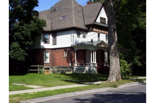 30 Maple Street, 4 (Photo 1)