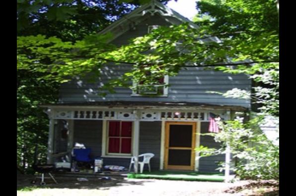 9 Spring Street (Photo 1)