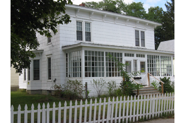 3 Watkins Avenue, 2 (Photo 1)