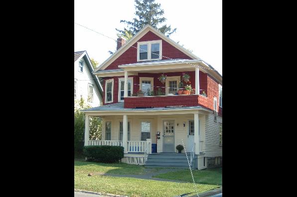 343 Roosevelt Avenue, 3 bedroom (Photo 1)