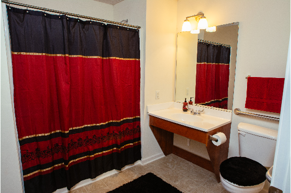 Campus Pointe Apartments, 2 bedroom 2 bathroom Furnished (Photo 3)