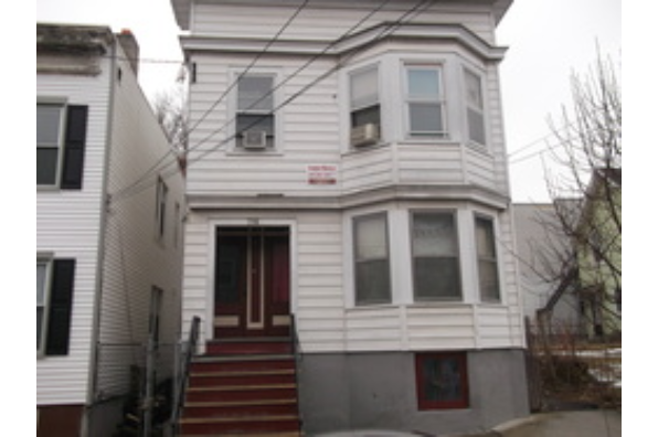 716 State St, 2nd Floor (Photo 1)