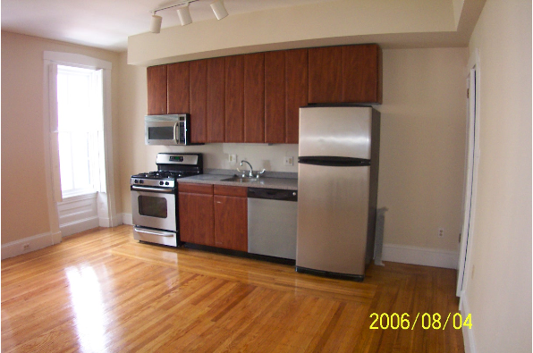 1522 Pine Street, Brown Stone Bi-Level Very Spacious Apartment (Photo 1)