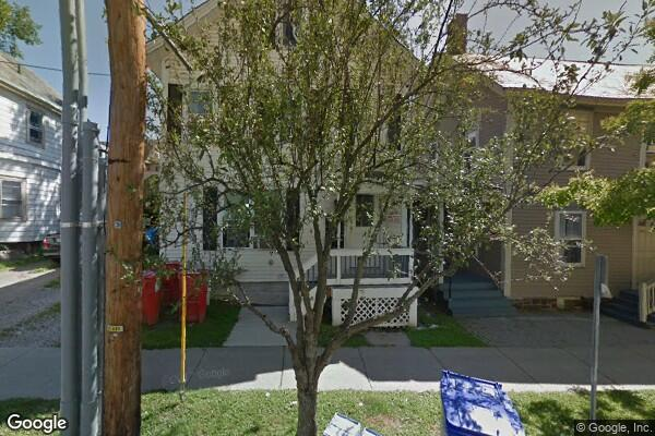 155 Maple St, 3 (Photo 1)