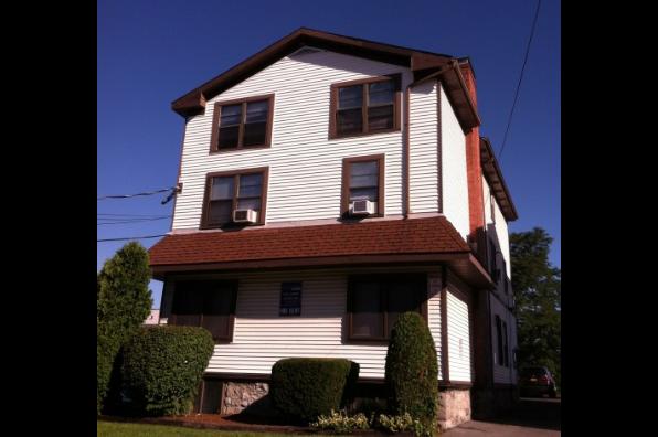 1303 East Adams, 5 Bedroom 1.5 Bath (Photo 1)