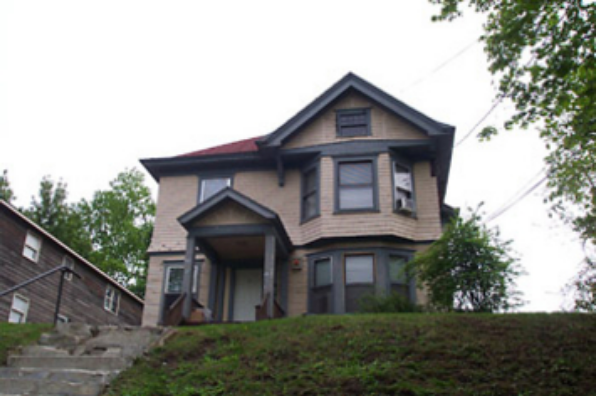 209 Comstock Ave (Photo 1)