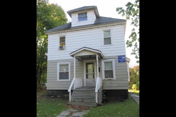 214 Clarendon St (Photo 1)