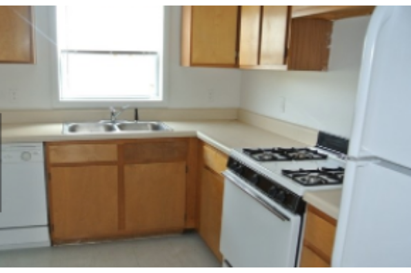 211 Tompkins, 3 Bedroom 1 Bath (Photo 1)