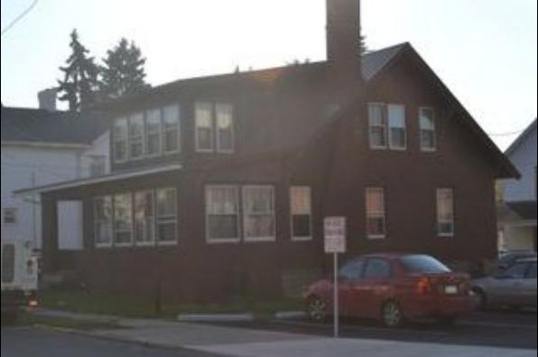 724 School St (Photo 1)