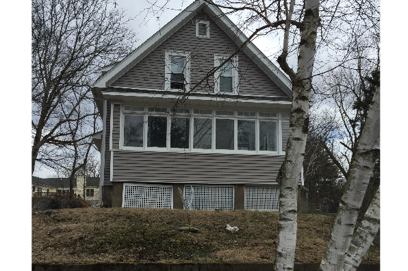 55 Woodlawn Avenue (Photo 1)
