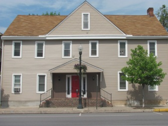 235-239 W Main St, 235 (Photo 1)
