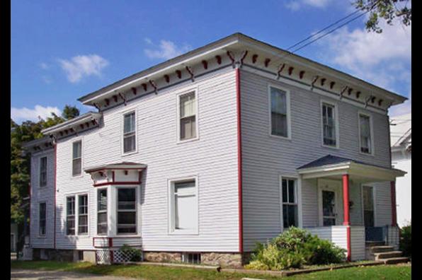 43 Maple St, 2 (Photo 1)