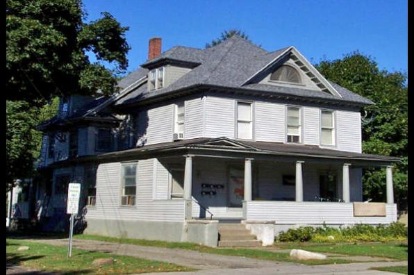49 Maple St, 3 (Photo 1)