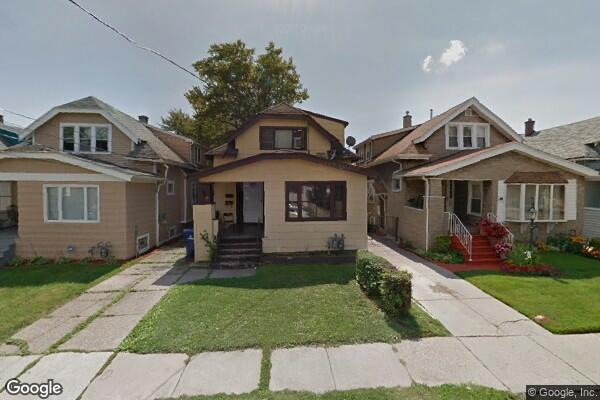 39 Burlington Ave, Upp (Photo 1)