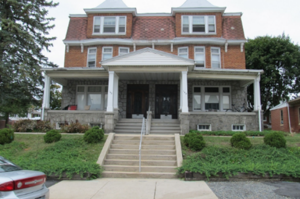 149 East Main Street, Central Air. Large Bedrooms ----3rd Floor 3 bedroom. (Photo 1)