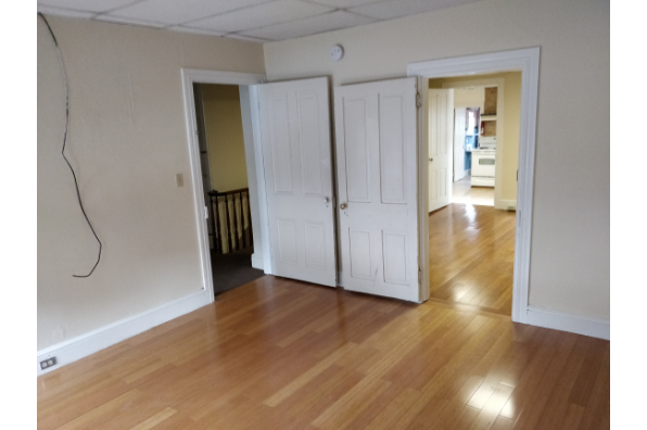 120 W Main St, Upstairs (Photo 1)