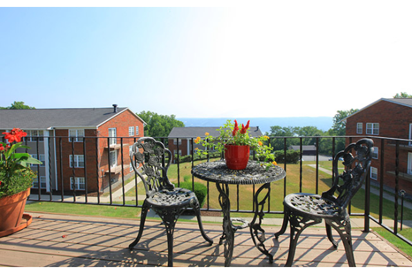 Candlewyck Park Apartments, 2 Bdrm. Balcony Apt BONUS! $2000 RENT CREDIT AT MOVE IN. (Photo 2)
