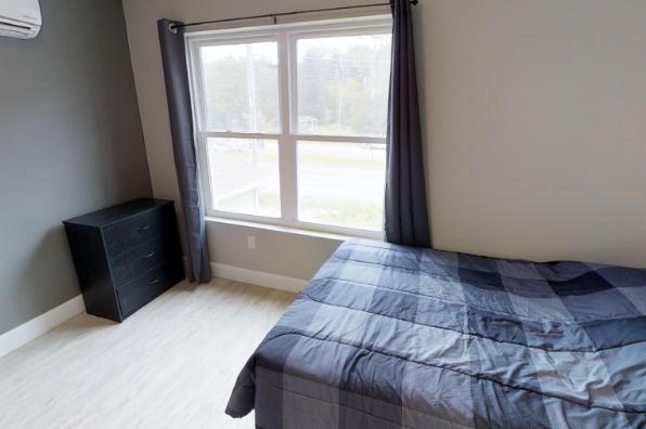 902 Dryden Road, 2 Bedroom (Photo 4)
