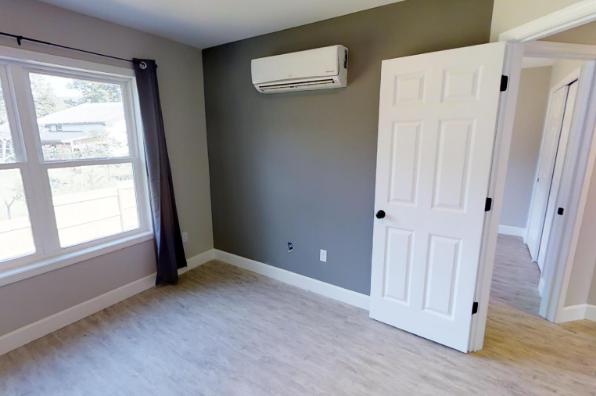 902 Dryden Road, 4 Bedroom (Photo 3)
