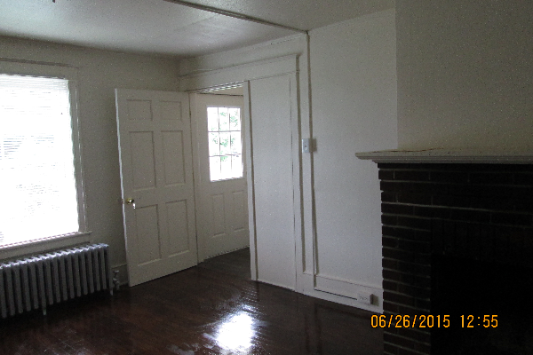 49 Fairview Avenue, 1 (Photo 3)