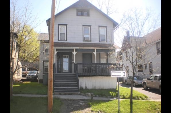 203 Linden Avenue (Photo 1)