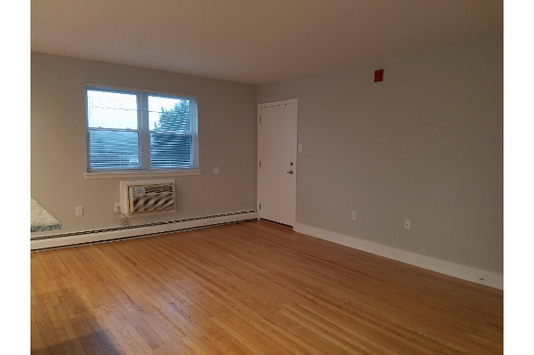 Ambler Crossings, 2 Bedroom (Photo 7)