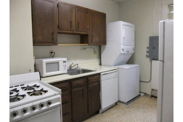 202 Dryden, Apt C (Photo 6)