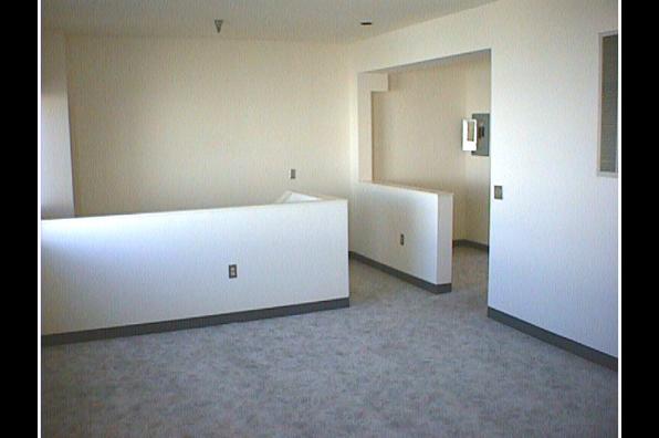 Center Ithaca, 2 Bedroom (Photo 6)