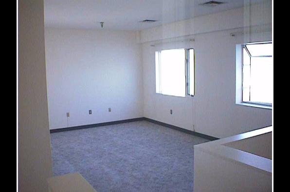 Center Ithaca, 2 Bedroom (Photo 2)