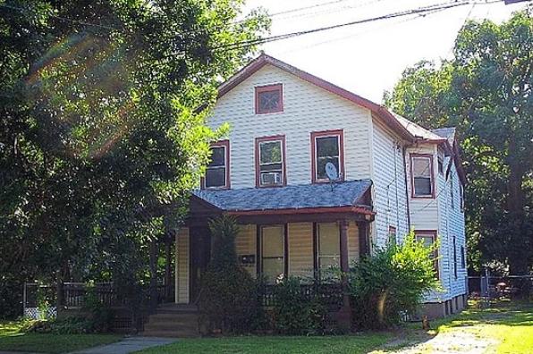 62 Walnut Street (Photo 4)