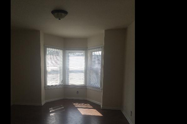 25 Zane St, Apartment B (Photo 3)