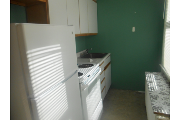 26 South Oakwood, 1 BEDROOM  APARTMENT RENTED FOR UPCOMING SCHOOL YEAR (Photo 4)