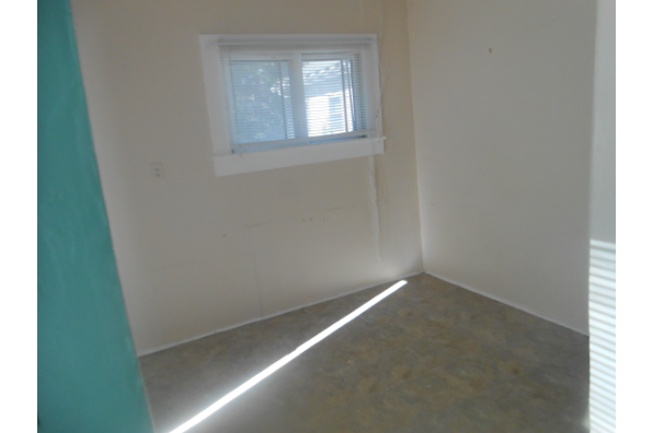 26 South Oakwood, 1 BEDROOM  APARTMENT RENTED FOR UPCOMING SCHOOL YEAR (Photo 1)