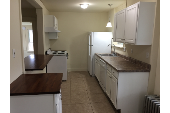 147 E Main St, 2021 -2022 School Year  Fall &/or Spring Semester - 2nd Floor - 3 large private bedrooms -Large Yard- Laundry on site -$3200 a semester per person (Photo 2)